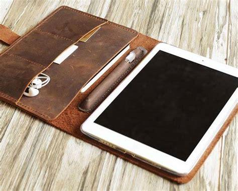 handmade personalized leather ipad pro case  apple pencil holder gadgetsin