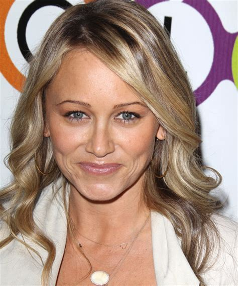 Christine Taylor Long Wavy Casual Hairstyle   Medium