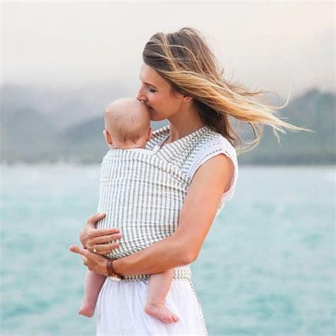 comment porter bebe avec une echarpe