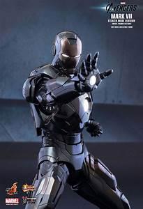 Hot Toys Iron Man Mark VII Stealth Mode | Vamers