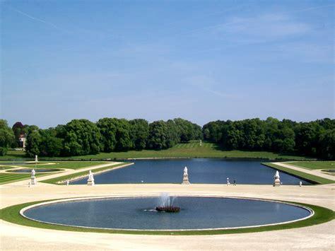 file ch 226 teau de chantilly jardin 224 la fran 231 aise miroir d eau et grand bassin jpg wikimedia