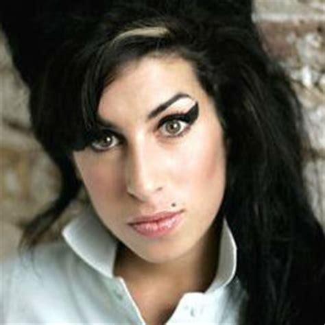 singer amy winehouse dies   age    dance