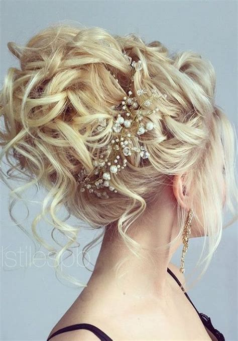Hair Updo Hairstyles For Weddings by 75 Chic Wedding Hair Updos For Brides Chongos