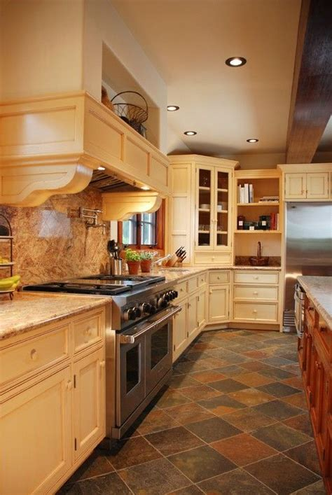 slate flooring in kitchen the advantages of using slate kitchen floor luxurious 5315