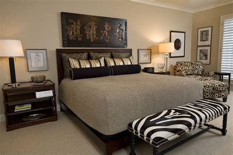 Decorating Ideas For Zebra Bedroom by 12 Zebra Bedroom D 233 Cor Themes Ideas Designs Pictures