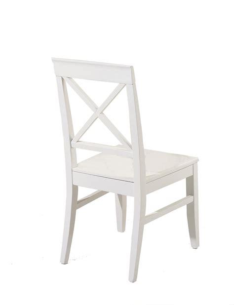 chaises bois blanc lot de deux chaises en bois blanc à dos croisé elia