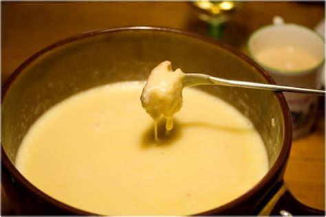 cheese fondue crock pot recipe family fondue dinner my snacks and 10
