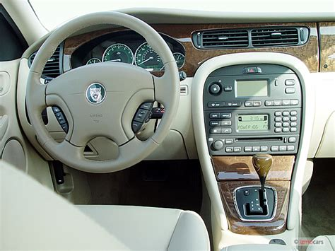 2004 Jaguar X-type 4-door Sedan 2.5l Dashboard