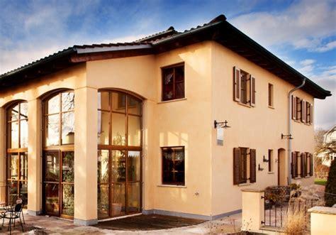 Moderne Häuser Mit Holzfenster by Fenster