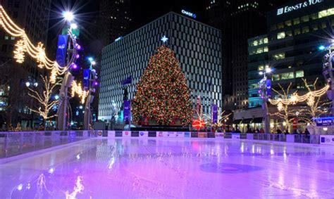 cus martius tree lighting 2017 the rink at cus martius park ice skating in detroit