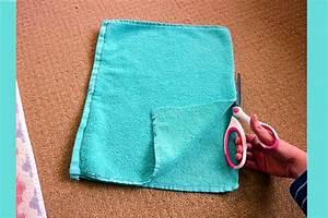 elle transforme ses vieilles serviettes en tapis de bain With tapis chambre bébé avec costume homme a fleur