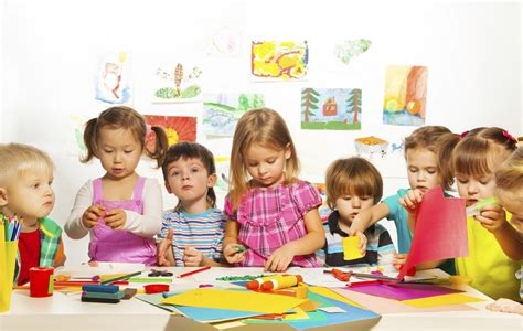 mehr lohn gefordert lange streiks in den kitas m 246 glich 719 | Kita Betreuung Erziehung Kinder Kindertagesstaette Krippe image 1200