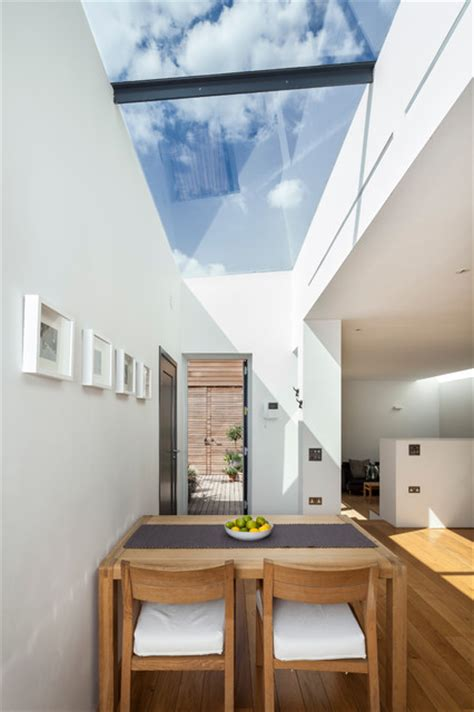 courtyard house east dulwich contemporary dining room london  designcubed