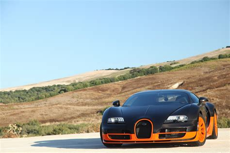 The veyron grand sport vitesse was the fastest roadster in the world, reaching an averaged top speed of 408.84 km/h (254.04 mph) in a test on 6 april 2013. 2011 Bugatti Veyron 16.4 Super Sport Gallery 384625   Top Speed