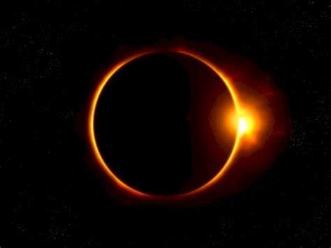 Gerhana bulan total akan menghiasi langit pada rabu, 26 mei 2021 ini. Inilah Mitos Seputar Gerhana Matahari Cincin dari Berbagai Negara | Indozone.id