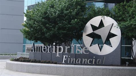 Ameriprise headquarters tower in Minneapolis sells for ...