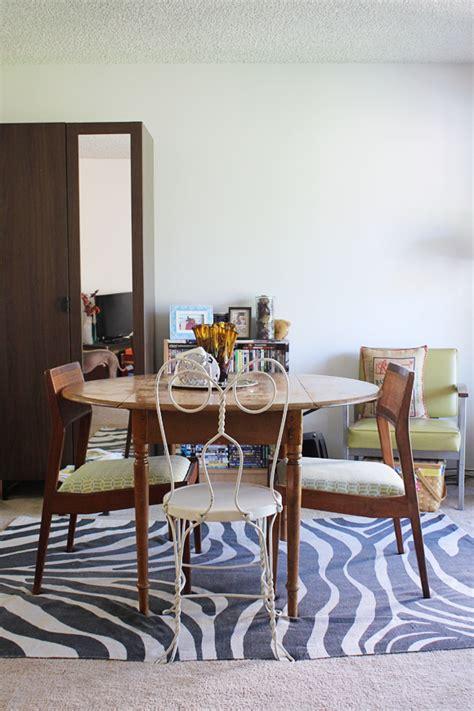 rug  top  carpet   give   cozy conversation zone   living room homesfeed