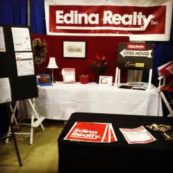 building a photo booth open house today real estate with jenna