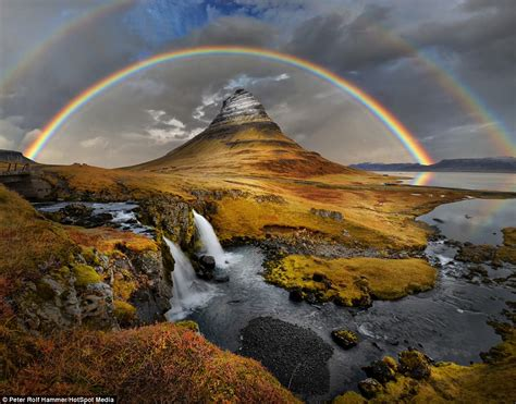 Breathtaking Photos Of Iceland Reveal Landscapes That