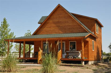 Sturdi Built Sheds And Cabins by Sturdi Bilt Wrapped Porch Cabins