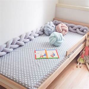 Tour De Lit Tressé : bumper baby bed bumper bedding nursery light gray knot pillow pinterest pouf id e couture ~ Teatrodelosmanantiales.com Idées de Décoration