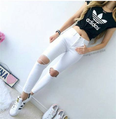 Adidas crop top cute jeans outfit - image #3593994 by marine21 on Favim.com