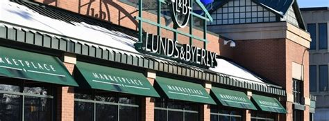 Isles coffee and bun, an uptown minneapolis coffee shop, is a tiny coffee shop with huge cinnamon roles. Lunds & Byerlys Uptown Minneapolis - Shopping - Uptown ...