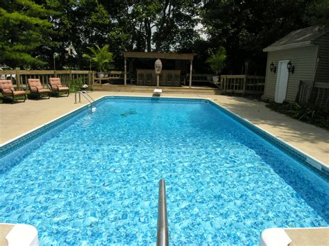 picture of a swimming pool swimming pool homes in the surrounding cincinnati ohio market