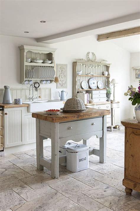 antique butcher block kitchen island 25 best ideas about cottage kitchens on