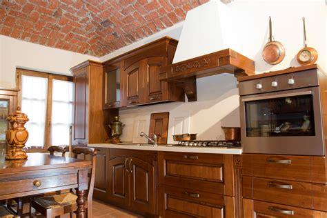 cucine legno massello prezzi cucina in legno massello cucine a prezzi scontati