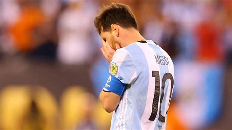 messi crying    boy whos lost