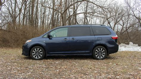 toyota sienna reviews price specs features