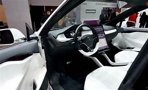Tesla Model X Review at CES 2015