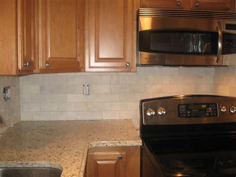 cream backsplash with white cabinets beige marble subway tile backsplash re subway tile w