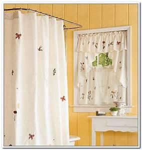 Beautiful bathroom curtains for small windows 9 small for How to choose curtains for small windows