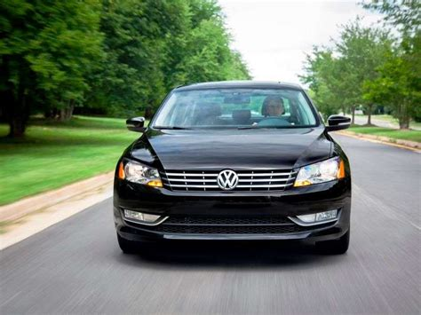 Best Cars On Gas by 10 Family Cars With The Best Gas Mileage Autobytel