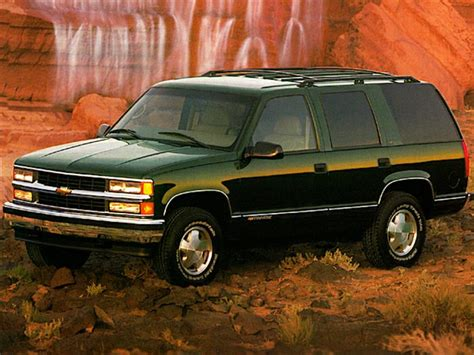 1998 Chevrolet Tahoe by 1998 Chevrolet Tahoe Specs Safety Rating Mpg Carsdirect