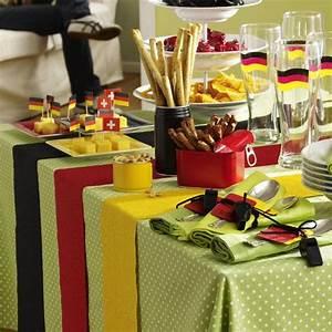 Party Deko Tipps : party deko f r den fu ball abend n gel pinterest ems selber machen und deko ~ Whattoseeinmadrid.com Haus und Dekorationen