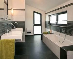 Moderne Badezimmer Ideen : modernes badezimmer mit dunkelgrauen fliesen und hellen ~ Michelbontemps.com Haus und Dekorationen