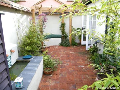 small courtyard garden design ideas  garden