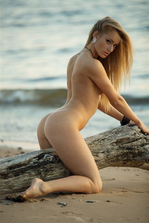 nude share nsfw riding the wood