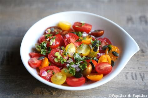 assiette cuisine salade de tomates cerises