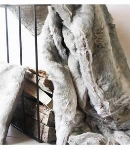 Couverture Fausse Fourrure : plaid fausse fourrure gris 150 x 170 cm plaid addict vente en ligne de plaids gris ~ Teatrodelosmanantiales.com Idées de Décoration