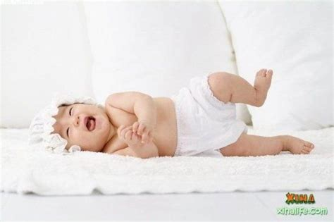 Download Baby Mobile Wallpaper