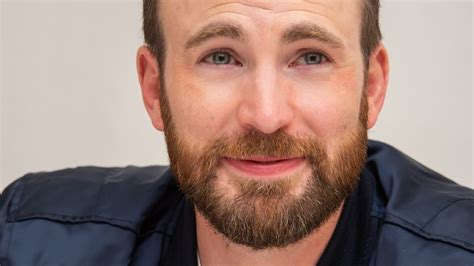 Chris Evans' Response To His Dick Pic Slip-Up Is... Kind ...