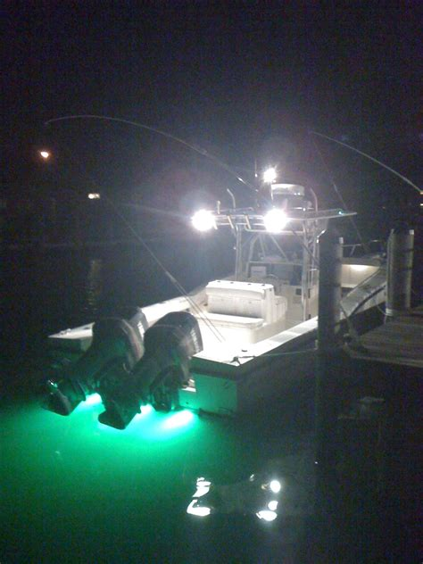 Boat Underwater Lights Reviews by Underwater Transom Lights The Hull Boating