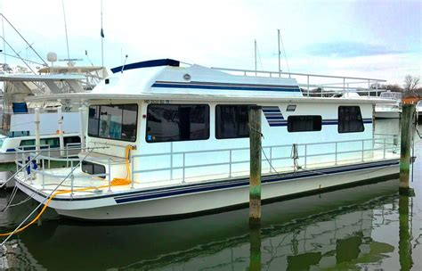 Houseboat Yacht 2003 gibson 44 executive diesel houseboat power boat for