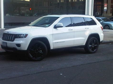 white jeep grand cherokee wheels white jeep grand cherokee black wheels pictures to pin on