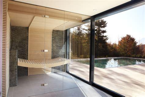 Badezimmer Modern Mit Sauna by Zweiseitig Verglaste Designsauna Mit Blick Auf Terrasse