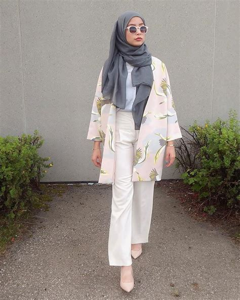 Pink floral kimono + white shirt + loose pants + gray scarf/hijab + nude pointed toe heels ...